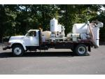 1995 Ford F800==