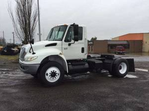 2006 International 4400 - Semi Truck