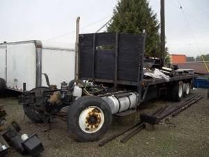 2000 Freightliner - Trailer