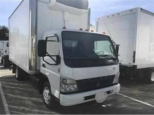 2009 Mitsubishi FE85D - Box Truck