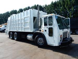 2006 Mack LE613 - Refuse Truck