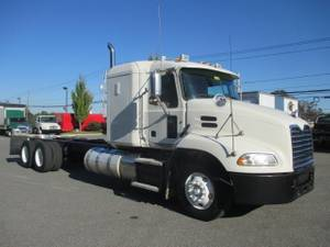 2012 Mack DM600 - Sleeper Truck