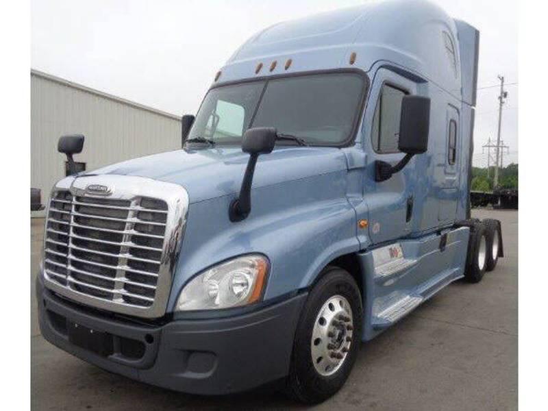 2015 Freightliner Cascadia Semi Truck