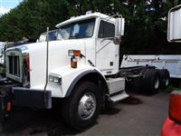 2001 Freightliner FL112