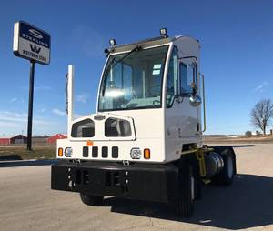 2019 Autocar ACTT42 - Yard Spotter