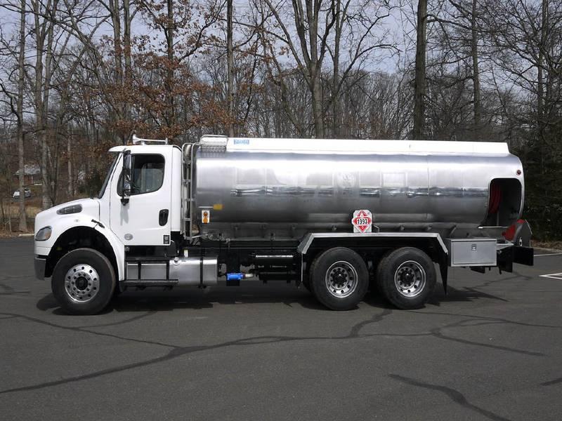 2013 Freightliner M2-106 - Tanker