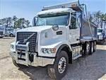 2020 Volvo VHD84F - Dump Truck
