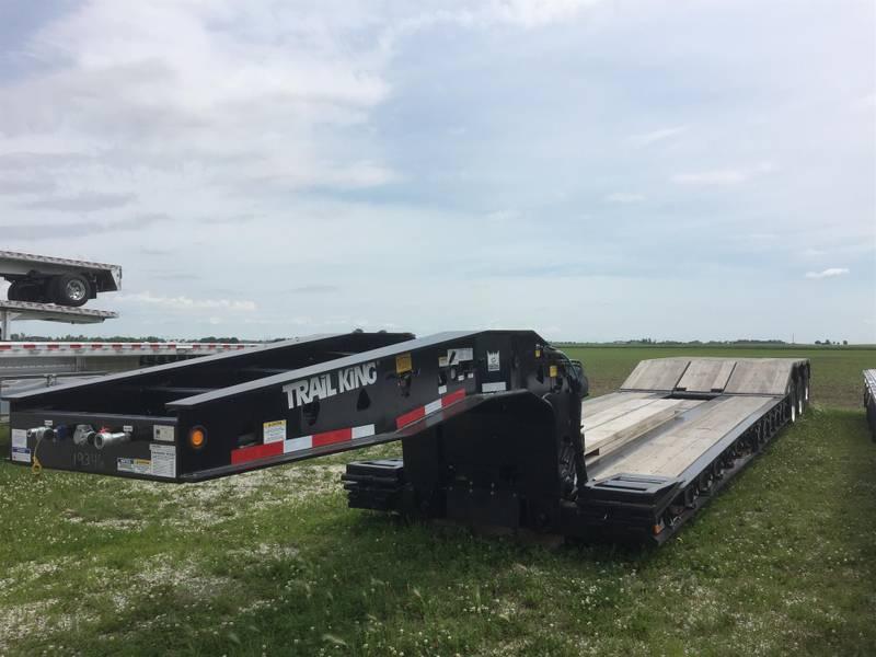 2019 Trail King TK110HDG-533 Paver Special Lowboy