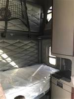 2015 Freightliner CA125SLP - Sleeper Truck