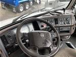2015 Volvo VNL64T - Semi Truck
