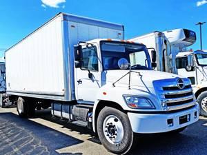 2013 Hino 338 - Box Truck