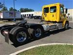 2017 Freightliner Cascadia - Semi Truck