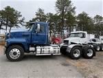 2017 Mack CHU613 - Semi Truck