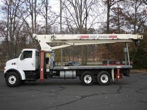 2004 Sterling 7500 - Boom Crane