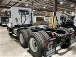 2013 Volvo VNL64T - Semi Truck
