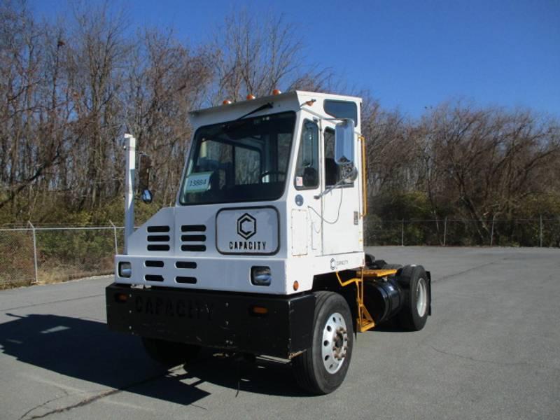 2009 Capacity TJ5000 Yard Spotter