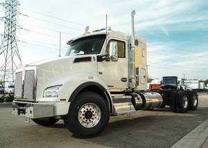 2021 Kenworth T880 - Sleeper Truck