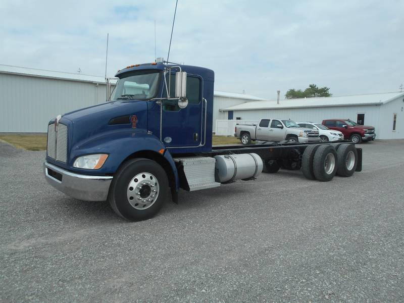 2010 Kenworth T370 Cab & Chassis