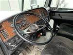 2001 Peterbilt 379 - Semi Truck