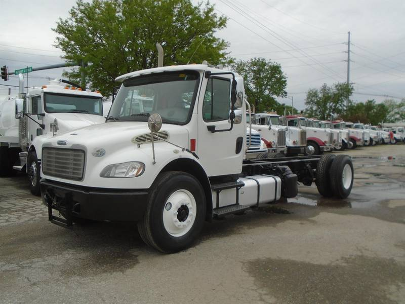 2014 Freightliner M2 106 Cab & Chassis