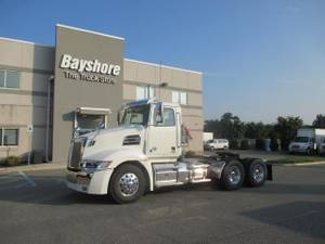 2020 Western Star 5700 XE - Day Cab