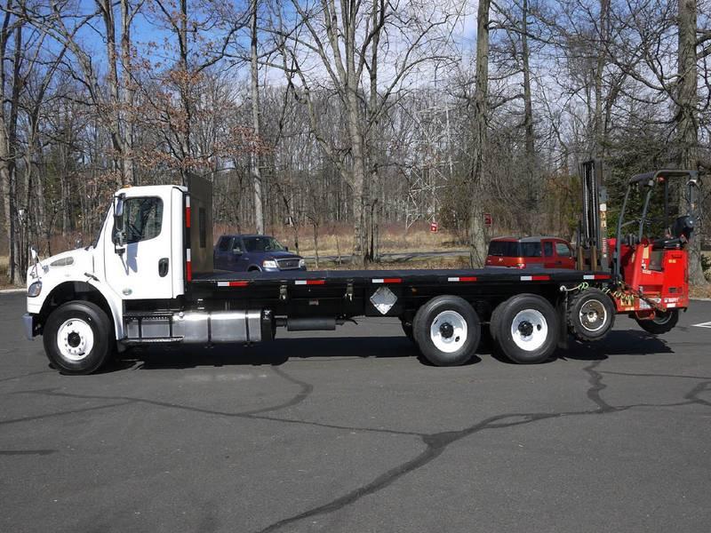 2011 Freightliner M2-106== Flatbed Forklift Combo