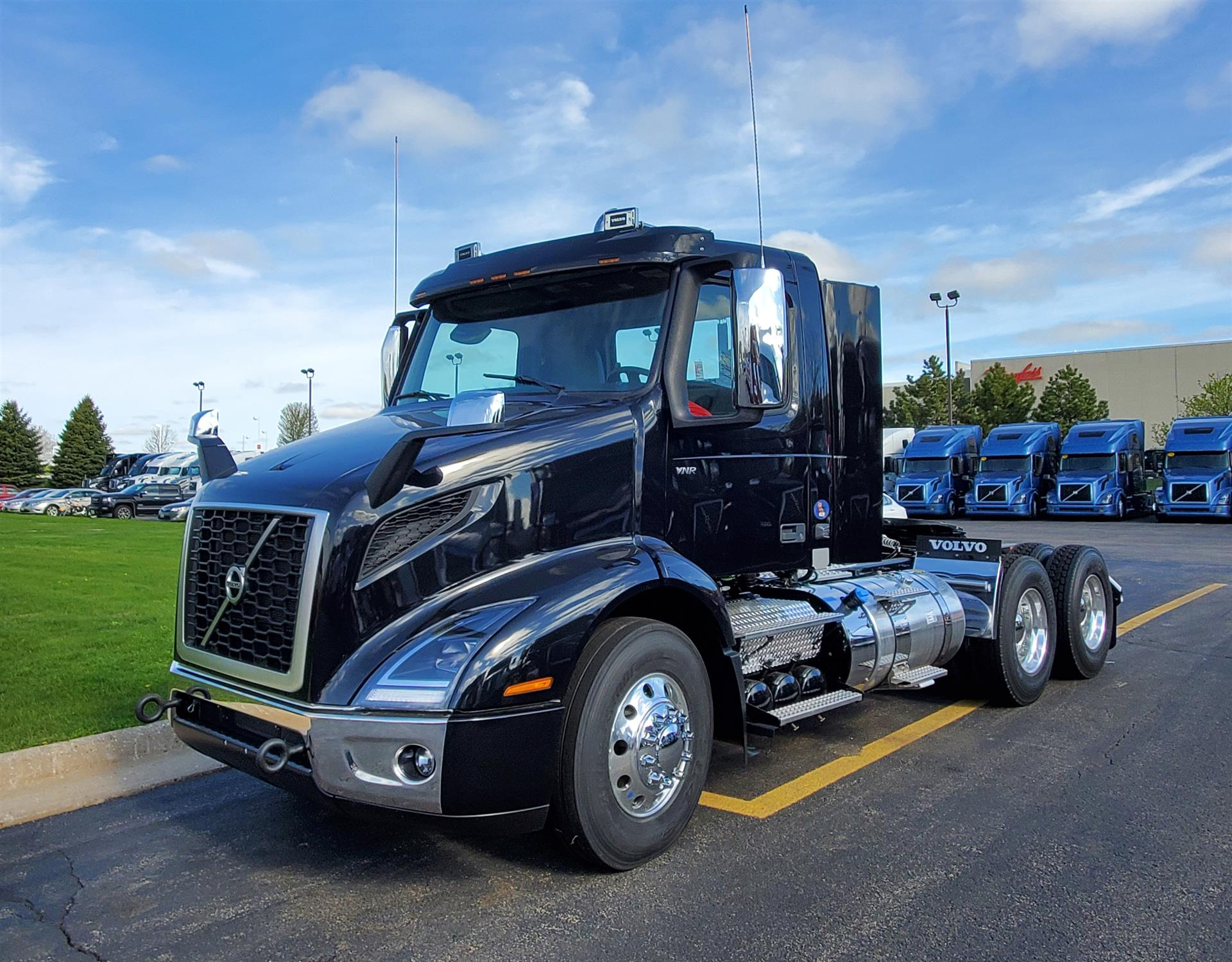 2021 Volvo VNR64T300 (For Sale) | Semi Truck | #HV100045