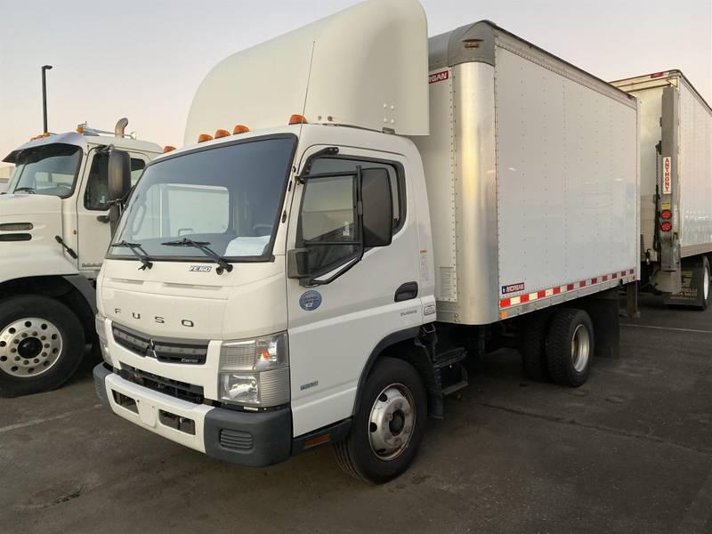 2015 Mitsubishi FE160 Box Truck