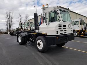 2011 Capacity TJ5000 - Yard Spotter