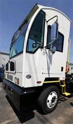 2020 Autocar ACTT42 - Yard Spotter