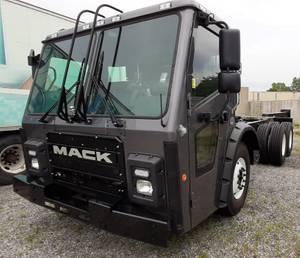 2019 Mack LR64 - Garbage Truck