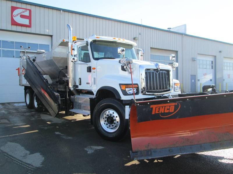 2021 International HX515 Sleeper Truck