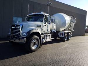 2020 Mack Granite 64F - Mixer