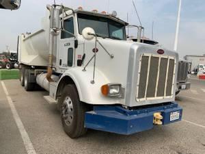 2009 Peterbilt 365 - Dump Truck