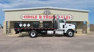 2008 Peterbilt 335 - Day Cab