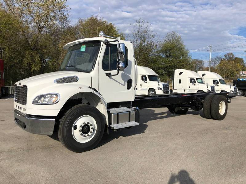 2022 Freightliner M2106 Cab & Chassis
