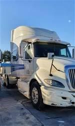 2010 International Prostar + Eagle - Sleeper Truck