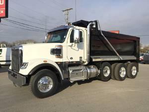 2023 Freightliner 122SD - Dump Truck