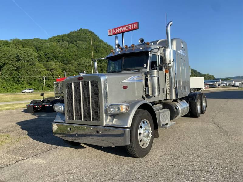 2018 Peterbilt 389 Sleeper Truck