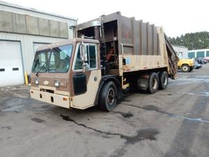 1999 CCC LET2-46 - Refuse Truck