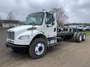 2010 Freightliner M2 - Cab & Chassis