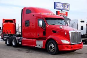 2015 Peterbilt 587 - Sleeper Truck