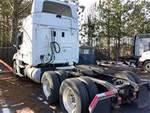 2015 Freightliner CASCADIA CA125SLP - Sleeper Truck