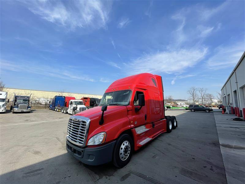 2018 Freightliner CASCADIA EVOLUTION Sleeper Truck