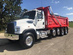 2022 Freightliner 114SD - Dump Truck