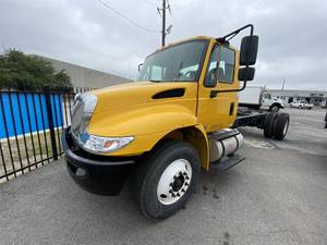 2017 International 4300 - Cab & Chassis