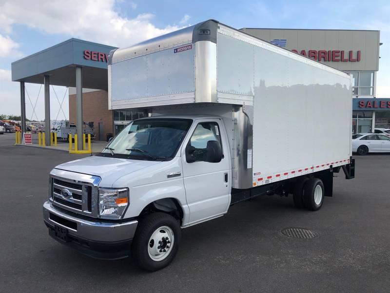 2022 Ford E450 Cutaway Box Truck
