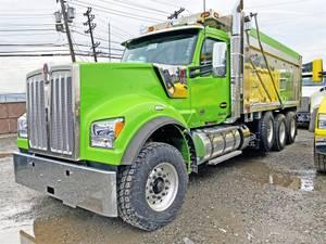 2022 Kenworth W990 - Dump Truck
