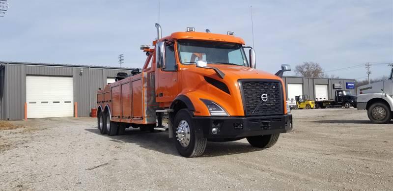 2020 Volvo VNX64300 Wrecker