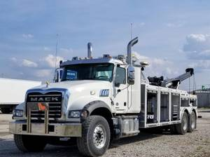 2020 Mack Granite GR64F - Wrecker
